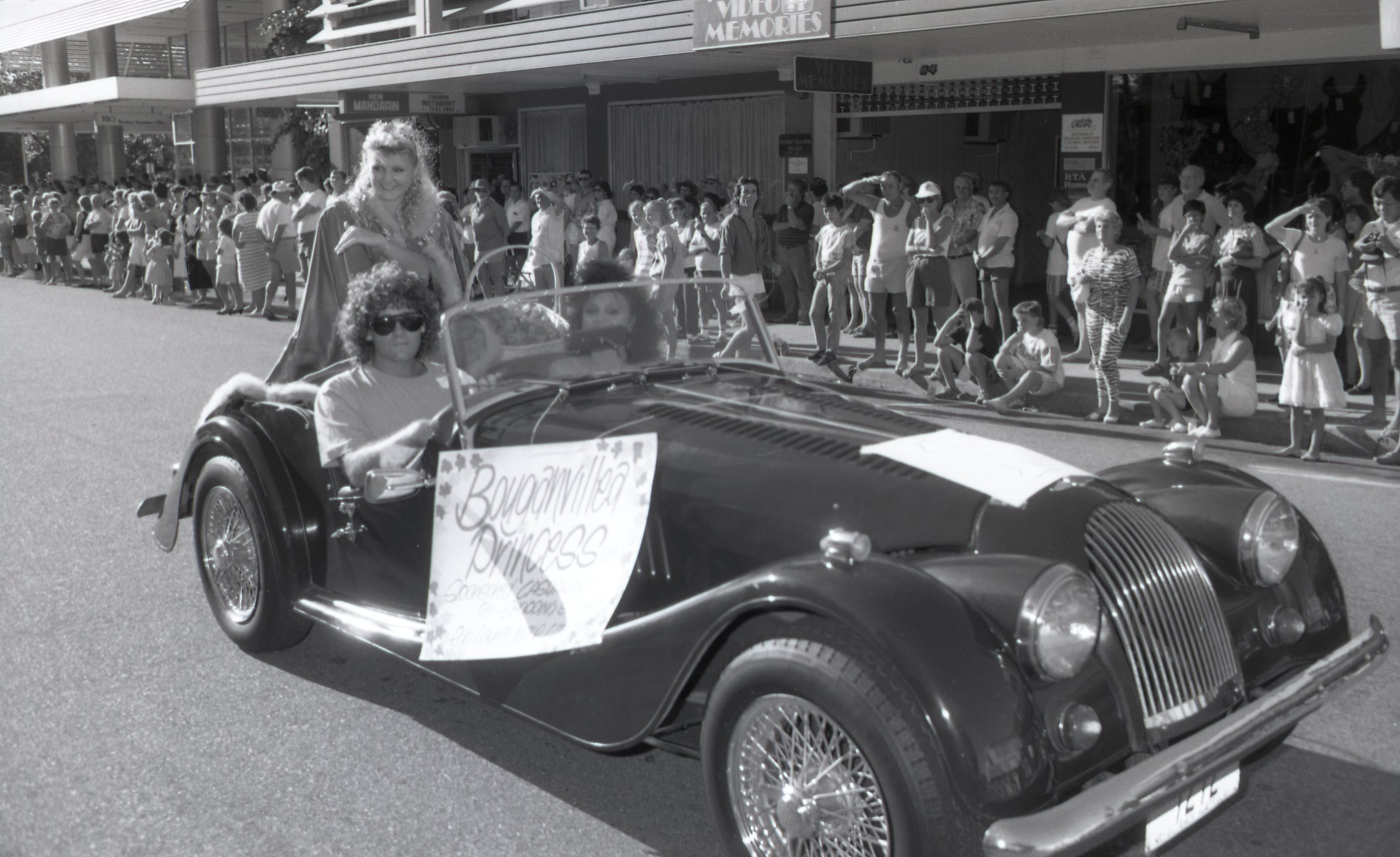 The Bougainvillea Princess at Darwin's Bougainvillea Festival Parade, 3 June 1989<br />Image courtesy of Library & Archives NT,  Department of the Chief Minister, NTRS 3823 P1, Box 11, BW2835, Image 10